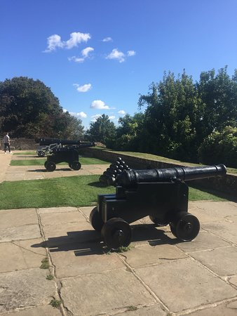 Rye Castle Museum: Old canons