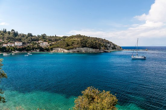 Myrto Vacation Relaxing Homes: Discover the Ionian Islands.Our exclusive boat trip excursions make the difference.