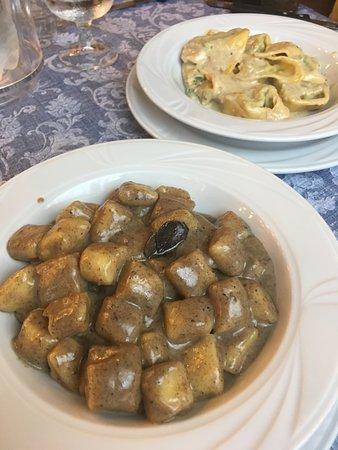 Albergo Regina Restaurant: Gnocchi with porcini/truffle sauce