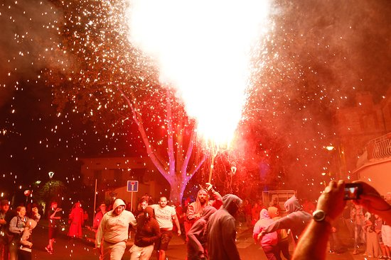 Saint-Cyprien-Plage, France : Spectacle des Correfocs - Photo fournie par l'Office de Tourisme de Saint-Cyprien