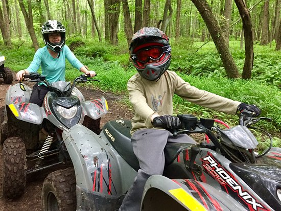 Englishtown, NJ: ATV ride through the woods
