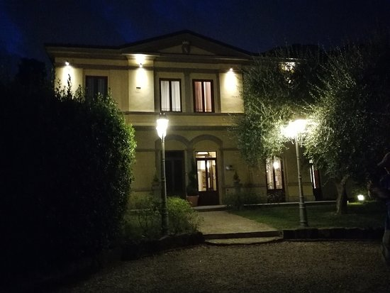 hotel by night picture of hotel villa betania florence tripadvisor rh tripadvisor com