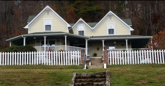 The Perry House Bed & Breakfast Photo