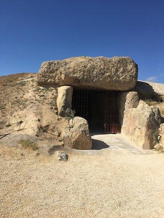 esterno dolmen