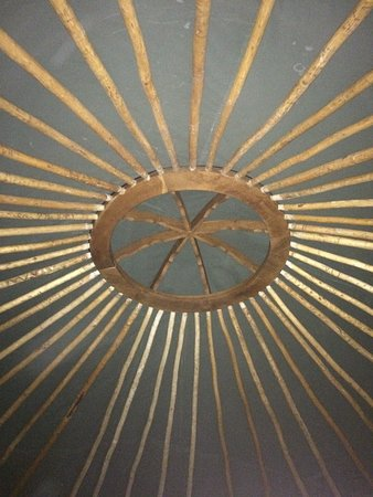 Verteillac, Francja: The roof of the yurt