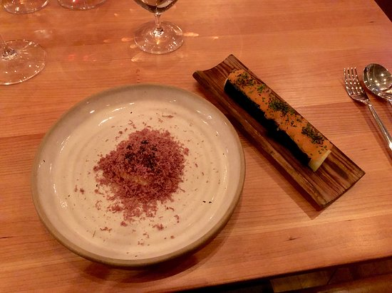 Restaurang Ekstedt: Pulverized deer with a baked leek covered with whitefish roe.
