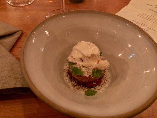 Restaurang Ekstedt: Desert: almond cake. You could make it at home...