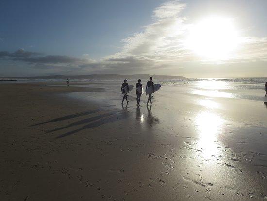 Gwithian Beach: Spätnachmittagsstimmung bei Ebbe