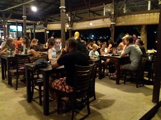 The Barat Perhentian Restaurant: Tavoli