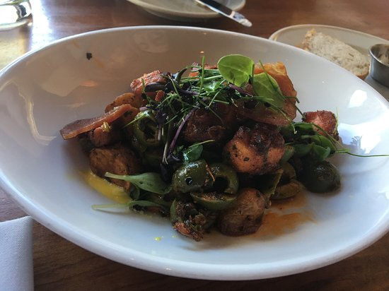 Clyde's of Georgetown : Pulpo con aceituna