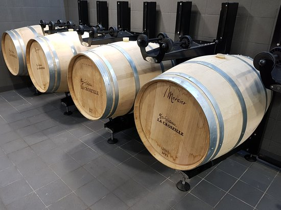 Château La Croizille: New barrels