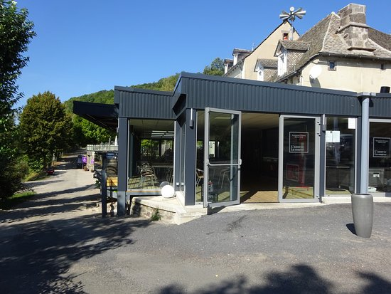 Therondels, Frankrike: RESTAURANT à l'entrée du camping
