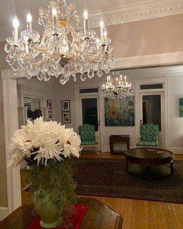 The White Doe Inn: The Inn is so pretty! Loved ALL the rooms!