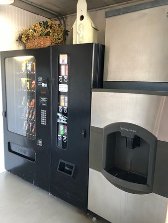 Swanton, VT: Vending Room with Ice machine