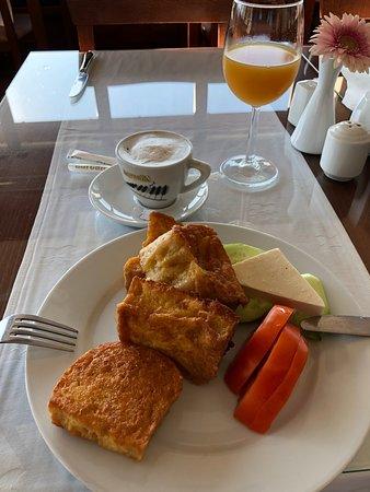 Demir Kapija, Macedônia: French toast for breakfast
