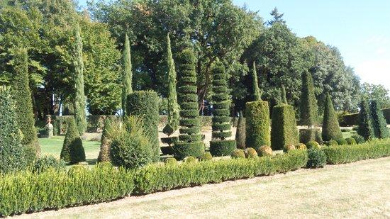 Salignac-Eyvigues, France: jardin