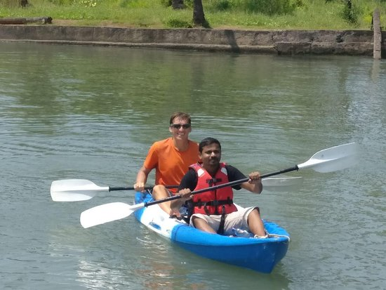 Promotional offer - 60 minutes Cruise, Nature & Discovery!: Learning the basics of kayaking from Pascal