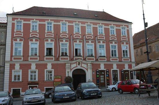 Daun Palace