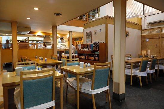 Ground floor dining area. - バンコク、味里