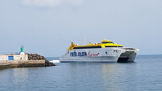 Fred.Olsen Express