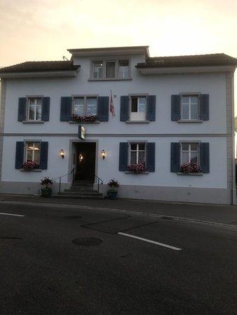 Güttingen, Swiss: Frontansicht