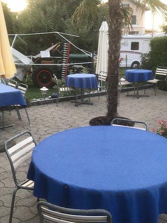 Güttingen, Ελβετία: Gartensitzplätze