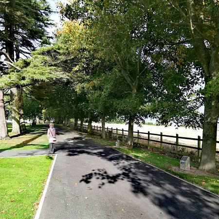 We spent a lovely weekend at the Moira Guest House and HD a nice walk in this Park - very well k