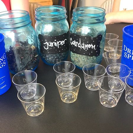写真Dripping Springs Vodka枚