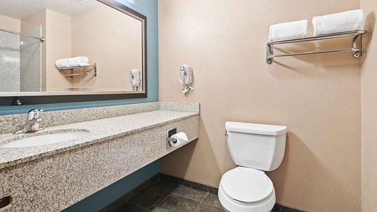 Nogales, AZ : Guest Room bath