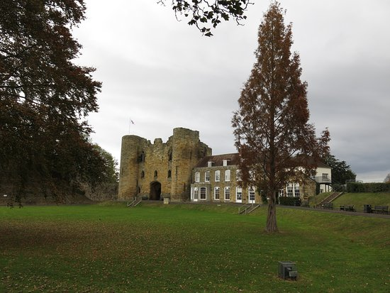 Tonbridge Castle: Tower with the Visitor Centre