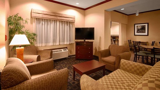 Saint Marys, PA: Lobby Seating