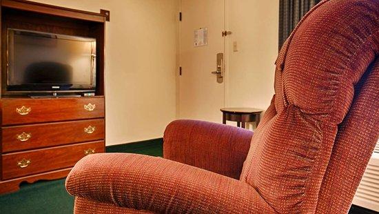 Camden, TN: Guest Room