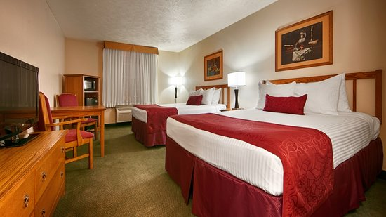 Calexico, CA: Two Queen Guest Room