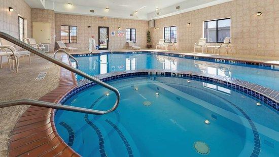 Quanah, TX: Indoor Pool
