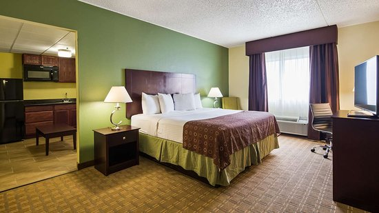 Brook Park, OH : Guest Room