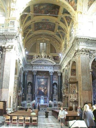 Chiesa del Gesu e dei Santi Ambrogio e Andrea : interno