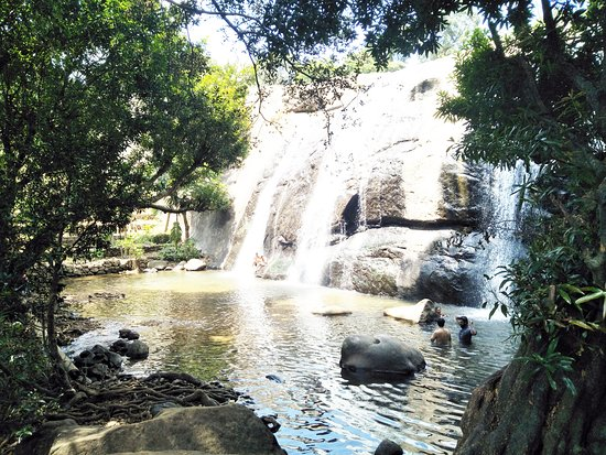 Thodupuzha, Indien: Anayadikuthu / Anachadikuthu Waterfalls