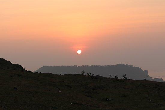 Ly Son, Vietnam: sunset thoi loi mountain