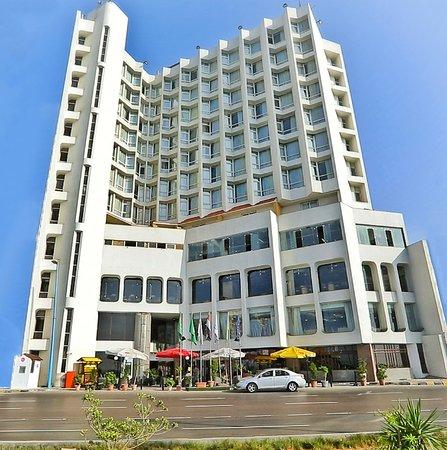 Eatabe Alexandria Hotel: Hotel Facad Morning