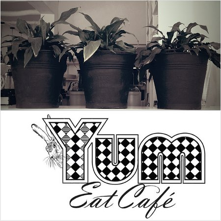YUM Eat Cafe