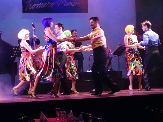 Снимок Esquina Homero Manzi Tango Show with Optional Dinner
