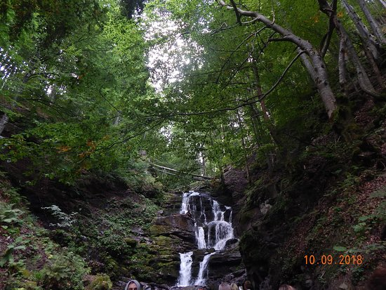 Pylypets, Ucraina: водопад