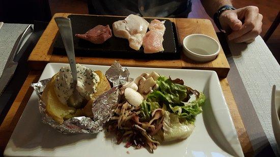 Jolimetz, Γαλλία: viande sur pierre