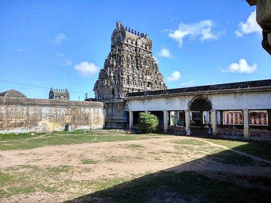 Arulmigu Abhirami Udanurai Amirthakadeshwarar Swamy Temple