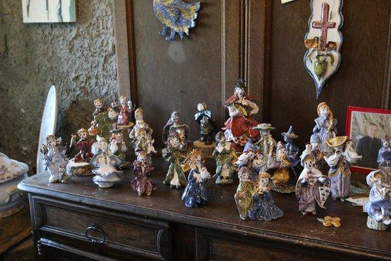 Faïence de Meillonnas - Nicole Reverdiau et son fils - Atelier, Exposition, vente