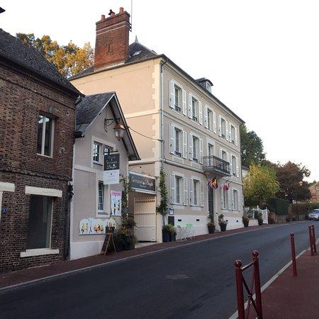 Broglie, France: photo0.jpg