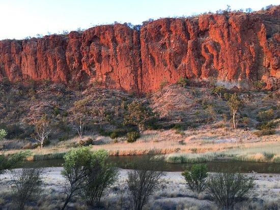 Beaconsfield, Australia: sunrise in Glen Helen Gorge
