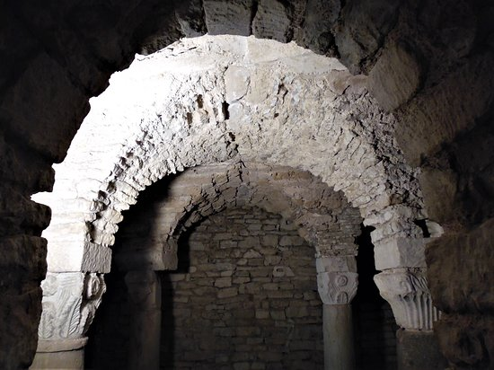 Crypte Carolingienne