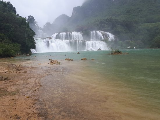 Ha Giang, เวียดนาม: Bản Giốc waterfall