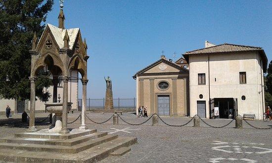 Abbazia Greca di San Nilo: Главная площадь аббатства